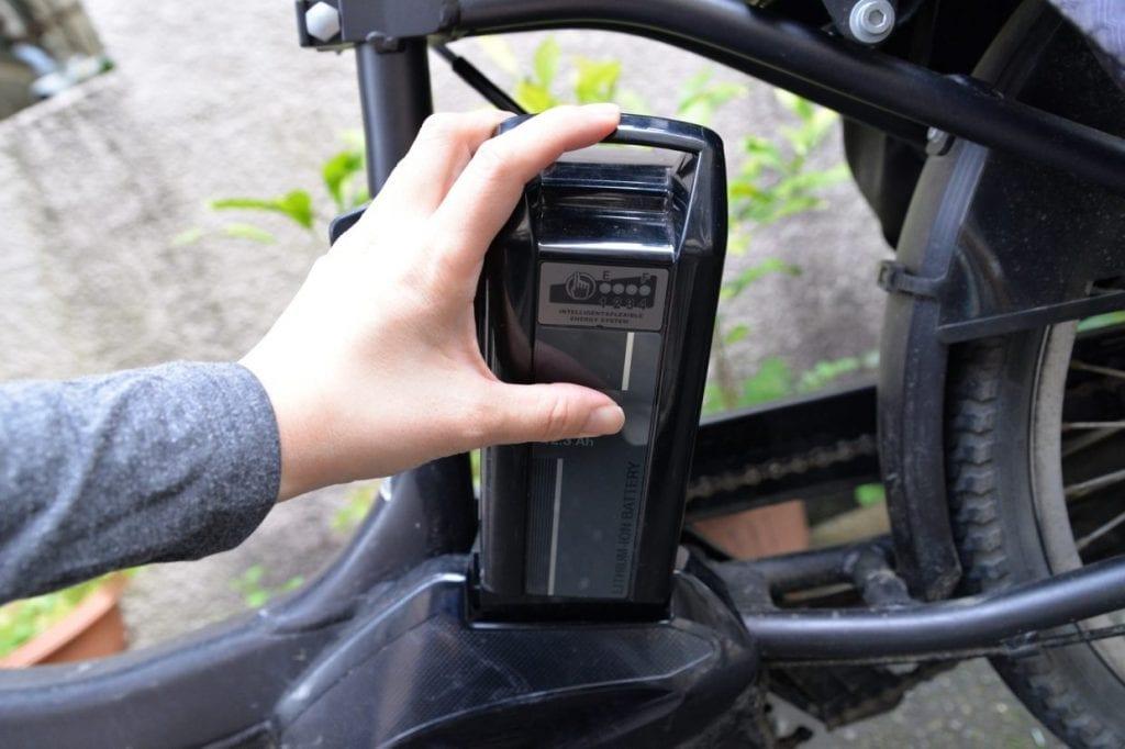 バッテリーは高温・直射日光を避け室内で保管