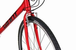 タイヤは純正よりも少し太めの32cを採用。