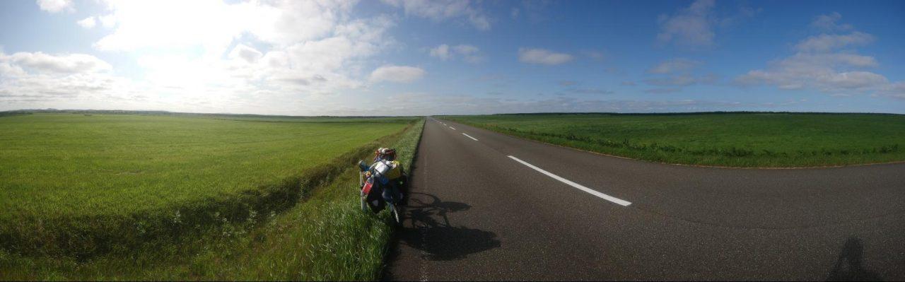 北海道エサヌカ線 数十キロ吹きっ晒しの向かい風