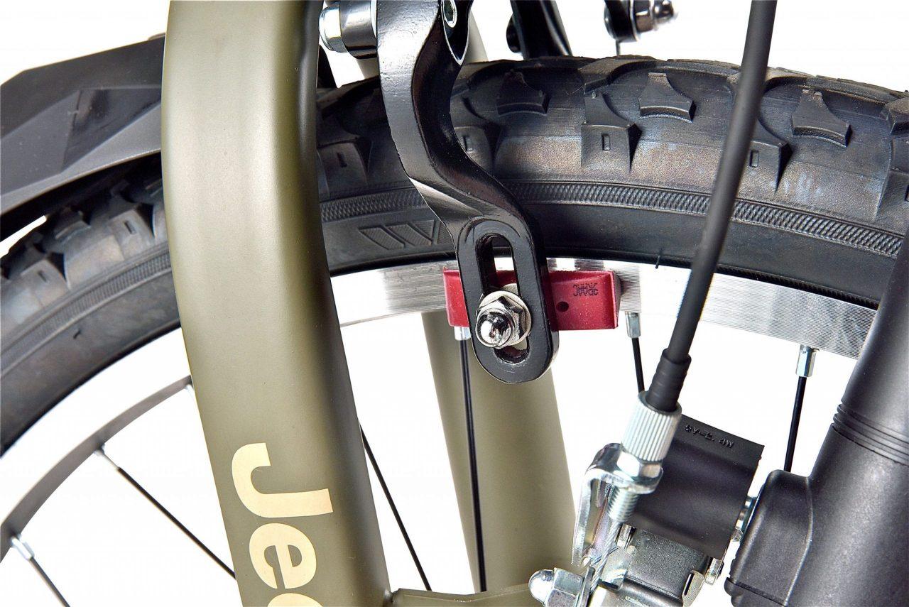 制動性の高いアルミ製デュアルキャリパーブレーキ