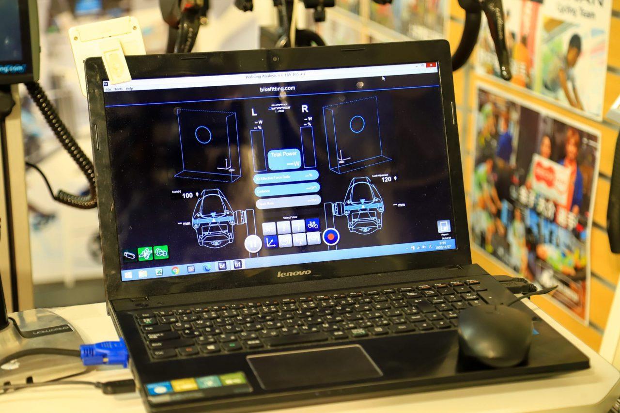 ペダリングアナライザーはペダリングの「クセ」や「無駄・ムラ」を可視化=見える化してくれる装置