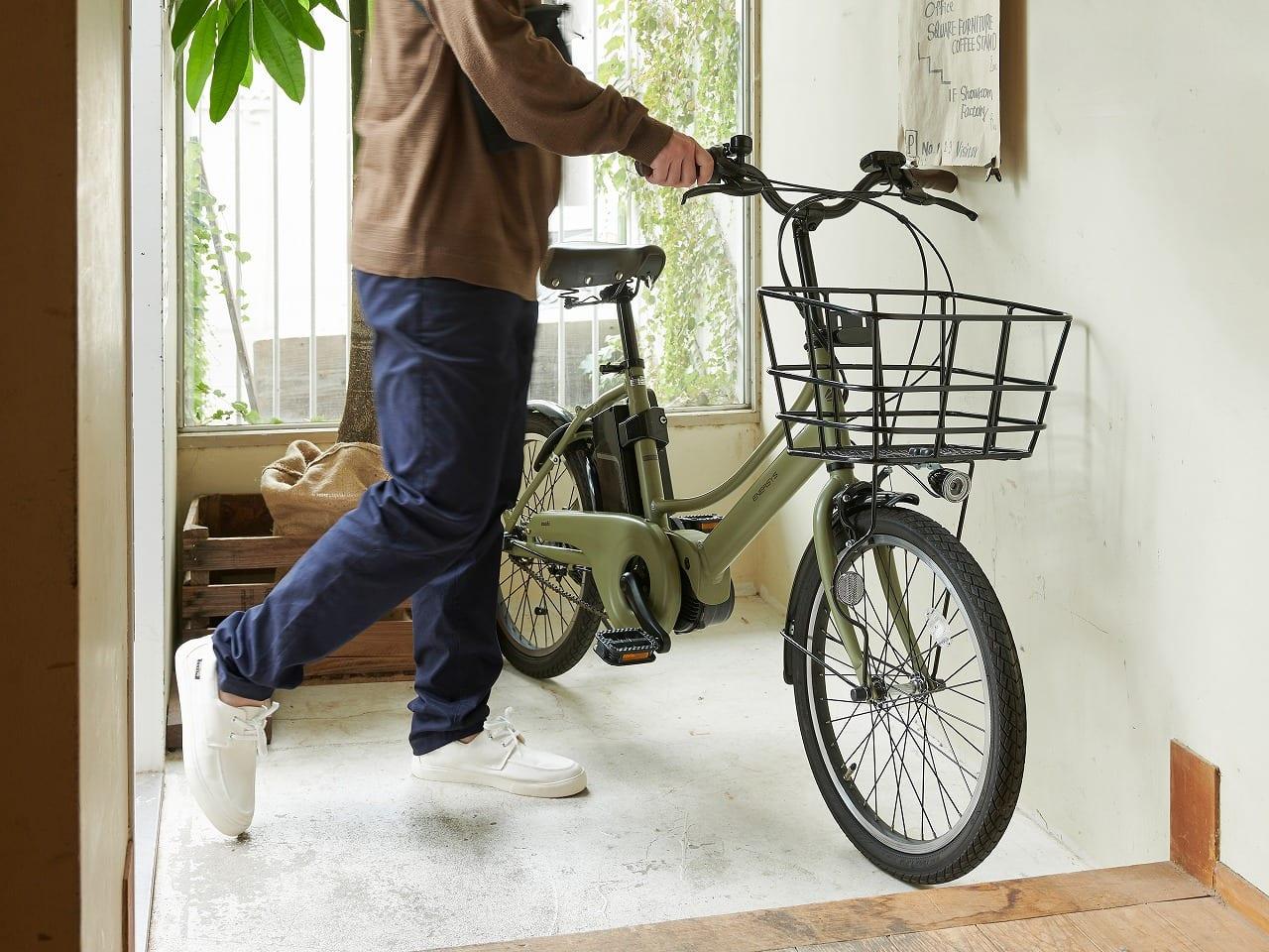 コンパクトな車体はマンションの玄関・室内での保管にも適している。