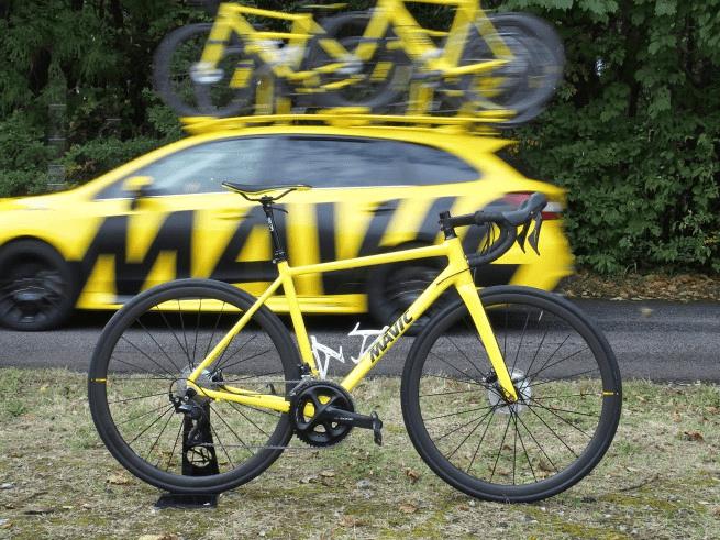 レース現場で選手のサポートとして供給される「ニュートラルバイク」