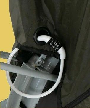 盗難防止のためのワイヤーロックを取り付けるリング付き