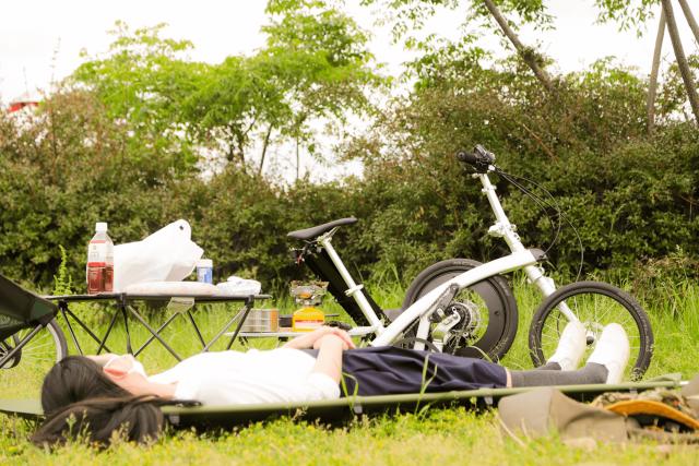コット キャンプ 自転車