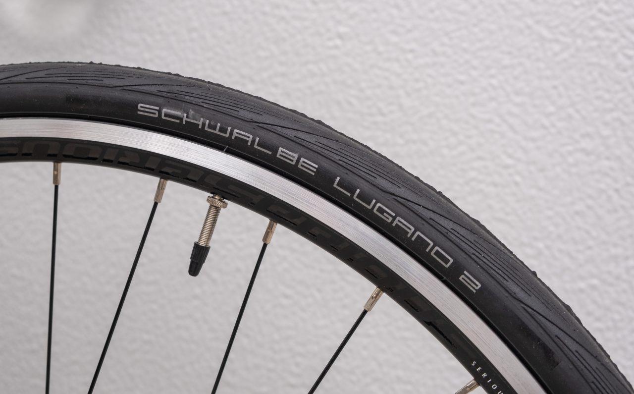 serious ロードバイク シュワルベ タイヤ